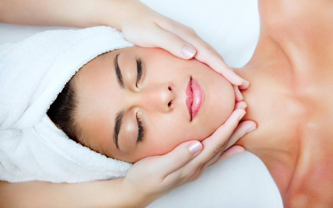 Facial Therapy (Part of Skincare Therapy Course)